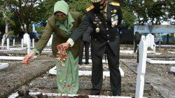 HUT Ke-75 TNI, Danrem Toddopuli Penghormatan Kepada Arwah Pahlawan