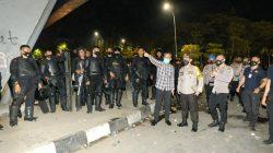 Demo Penolakan RUU Cipta Kerja di Makassar; 73 Diamankan, 3 Polisi Terluka, Pos Lantas Dibakar
