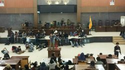 Kaca Gedung DPRD Sinjai Pecah, Sekwan: Massa Beringas