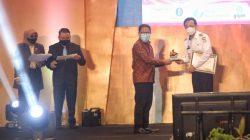 Bukti Pelayanan Terbaik, DPMPTSP Pemkot Makassar Diganjar Dua Penghargaan