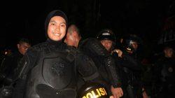 Aksi Polwan Brimob Cantik Bubarkan Massa Anarkis di Makassar, Ini Namanya
