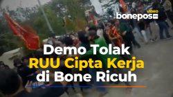 VIDEO: Detik-detik Aksi Demo Ricuh Tolak UU Ciptaker di Bone