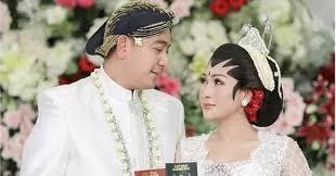 Dituding Pelakor, Tata Janeta Unggah Foto Pernikahan Digelar Resmi
