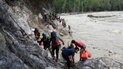 Kolaka Utara Diterjang Banjir Bandang, Warga Tunggu Bantuan