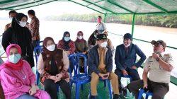 Senyuman Warga Pulau Kian Manis, Pj Wali Kota Makassar Hadirkan 'Dermaga Muda Lakkang'