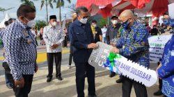 Mobil Keren Bank Sulselbar untuk Pemkab Bone, Gubernur Serahkan Langsung