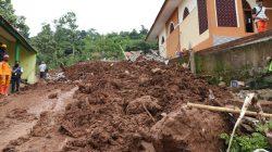 Demi Nyawa, BNPB Gugah Hati Masyarakat di Lokasi Bencana Bersedia Relokasi