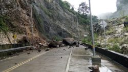 Waspada Pengendara Makassar-Bone, Jalur Elevated Road Maros Longsor