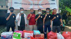 Turun Langsung ke Lokasi Gempa, PKS Bone Bagi-bagi Bale Tapa