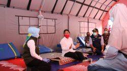 Tinjau Lokasi Pengungsian Gempa Sulbar, Menteri Ini Kasih Nama Bayi Baru Lahir