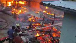 Kebakaran di Lamurukung, Delapan Rumah Ludes Dilalap Si Jago Merah