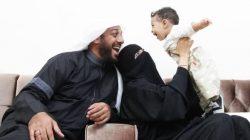 Syekh Ali Jaber Tinggalkan Istri yang Tengah Hamil