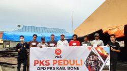 Pulang dari Mamuju, PKS Bone Ceriakan Korban Kebakaran Lamurukung