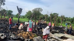Dua Rumah Panggung Warga di Jeneponto Terbakar, Ratusan Juta Melayang