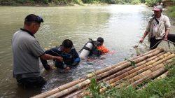 Pria Diduga Tenggelam, Brimob Bone Terjun Sisir Aliran Sungai