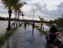 Waspada, Watu Cenrana Diterjang Banjir