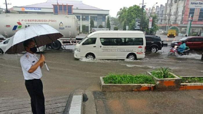 Danny Pomanto Warning OPD, Siaga Banjir!