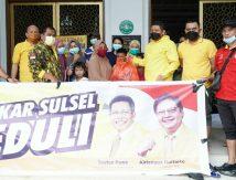 """Aksi """"Pasukan Kuning"""" di Lokasi Banjir Makassar, Siapa Mereka?"""