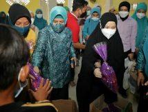 Aksi TP PKK Sulsel dan TP PKK Makassar Bikin Ceria di Lokasi Banjir