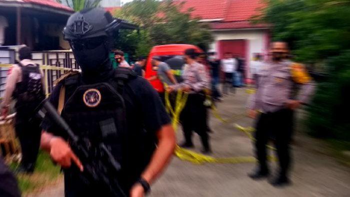 Kontra Densus 88, Terduga Teroris di Makassar Melawan Pakai Parang