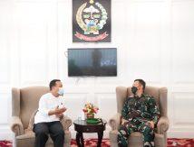 Lebih 1 Jam, Pangdam Hasanuddin Bincang Serius Plt Gubernur Sulsel, Ada Apa?