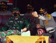 148 Polisi Jaga Perbatasan Bone, Kapolres Try: Pelayanan Tegas tapi Humanis