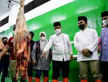 Plt Gubernur Andi Sudirman Pastikan Daging di RPH Berstandar ASUH