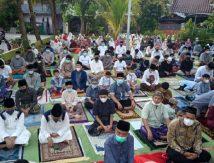 Bisa Dicontoh, Suasana Salat Idulfitri 1442 H Ala Prokes Ketat di Makassar, Ini Lokasinya