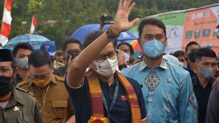 FOTO: Menparekraf Sandiaga Saat Berkunjung di Kampung Galung Sinjai