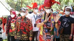 FOTO Gaya Sandiaga Uno Saat Kunker di Kabupaten Gowa Sulsel 2