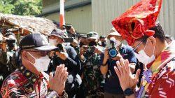 FOTO Gaya Sandiaga Uno Saat Kunker di Kabupaten Gowa Sulsel 3