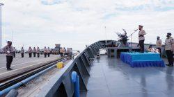 FOTO Mengenang Jasa Pahlawan, Kapolda Sulsel Tabur Bunga di Laut