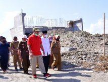 Nuansa Merah, Plt Gubernur Periksa Pembangunan Jembatan Penghubung Sidrap-Wajo