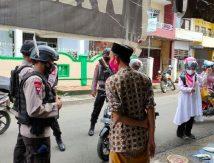 """Covid-19 Intai Warga, Komandan Brimob di Bone Siap """"Peras"""" Keringat"""
