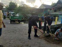 Kiat Brimob dan Aparat Gabungan Tangkal Banjir