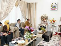 Persaingan Retail Modern dan Tradisional di Desa, Begini Kiat Plt Gubernur