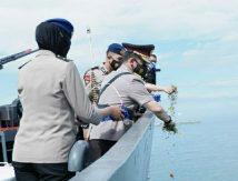 Kapolda Sulsel Ziarah Tabur Bunga di Laut, Ini Isi Pesannya