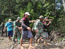 "Personel TNI-Polri ""Keroyok"" Bom Pesawat di Bone"