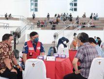 Vaksinasi Massal Alumni dan Mahasiswa Unhas, Ini Pesan Ketua PMI Sulsel