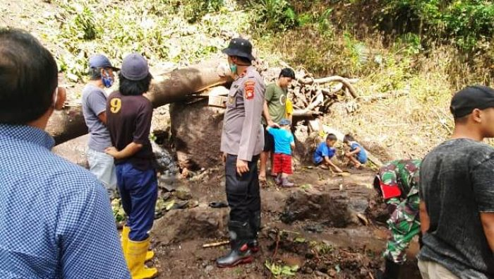 Menunggu Alat Berat, Begini Kondisi Terkini Bencana Longsor di Tellu Limpoe Bone