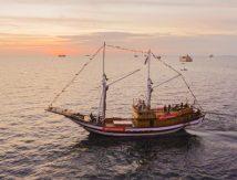 Bukti Cinta Indonesia, Astra Motor Sulsel Gelar Konser di Atas Kapal Pinisi