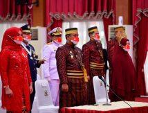 Bersama Jokowi, Andalan Kenakan Pakaian Adat Bugis Makassar Ikuti Detik-detik Proklamasi Kemerdekaan RI