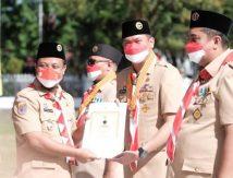 Top! Bupati Adnan Diganjar Penghargaan Tertinggi di Bidang Kepramukaan