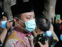 Dua Prajurit TNI AD Gugur Diserang KKB, hingga Plt Gubernur Gendong Anak