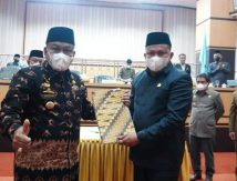 Bupati dan DPRD Bone Tetapkan Tiga Ranperda, Kecuali Fraksi Gerindra