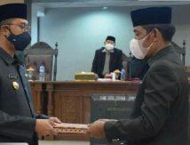 Ketua DPRD Serahkan Ranperda APBD Perubahan ke Bupati, Berikut Catatannya