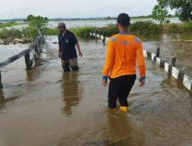 Astaga! Satu Jembatan Rusak Diterjang Banjir