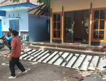 Malang Gempa Bumi, Bangunan di Blitar Rusak