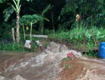 Tanggul Sungai Jebol, 112 rumah Terendam Banjir