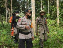 Hilang di Hutan Saat Mecari Kayu Bakar , SAR Brimob Bone Diterjunkan Cari Nenek Suhera